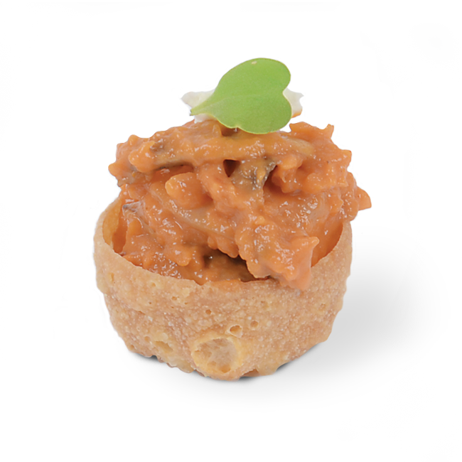 Mini vol-au-vent stuffed with shrimps